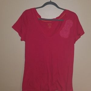 Old Navy Tops - Old navy coral tshirt with chiffon abstract flower